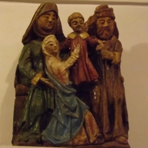 Copie polychrome du groupe reprenant St Joachim, Ste Anne, la Vierge Marie et l'enfant Jesus ( 16eme s. )