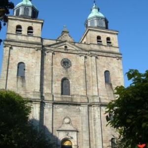 La Cathedrale, rescapee des bombardements de decembre 1944