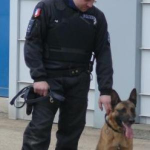 Le chien et son Maitre ( Zone de Police Stavelot -Malmedy )