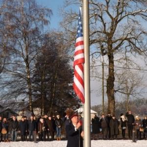 Montee au mat du drapeau