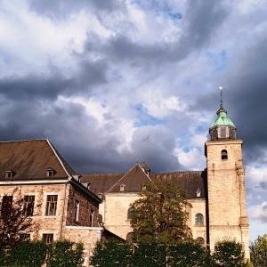 La Cathédrale et le parc du Châtelet