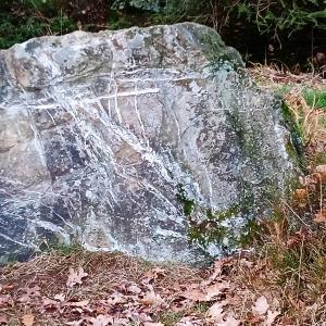 Un rocher témoin de nombreux épisodes climatiques