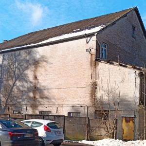 L'arrière du bâtiment prévu pour accueillir les appartements ( photo F. Detry )