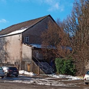 Le cinéma et l'emplacement des anciens locaux de la Croix Rouge  ( photo F. Detry )