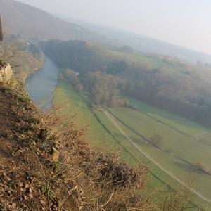 Site de La Roche aux Faucons  Magnifique point de vue que de nombreux sentiers y passaient depuis avant et après 1900. Les chemins des touristes, les sentiers