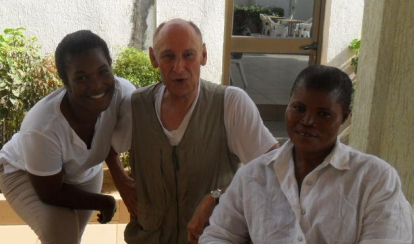 Thia, l'auteur, et Sena