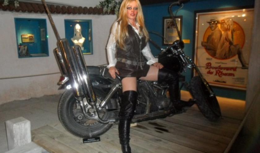 Je n'ai peur de personne, en Harley Davidson
