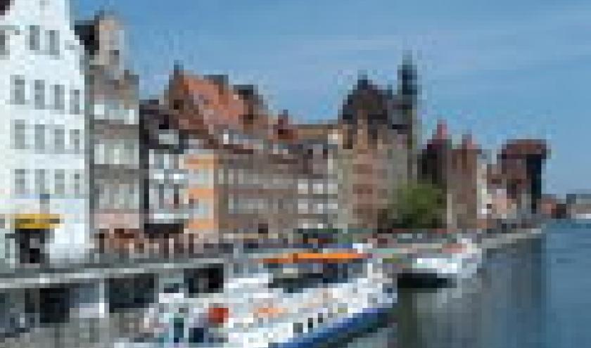 de oude haven met kraan