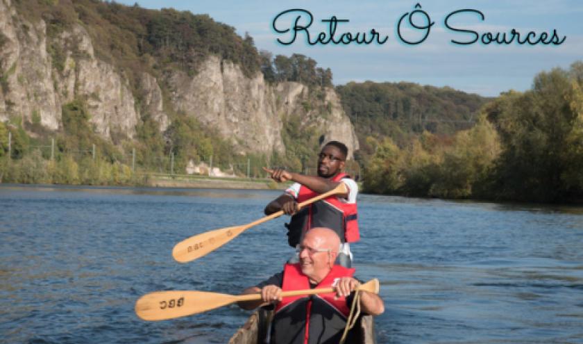 Musambu Junior Higuet et Laurence Debry naviguant sur la Meuse