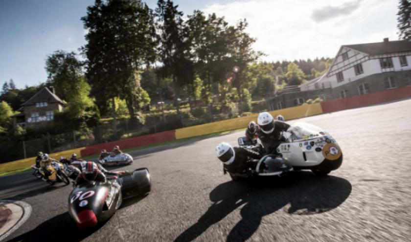 Les side-cars passent en mode competition