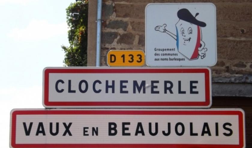 Vaux-en-Beaujolais = Clochemerle